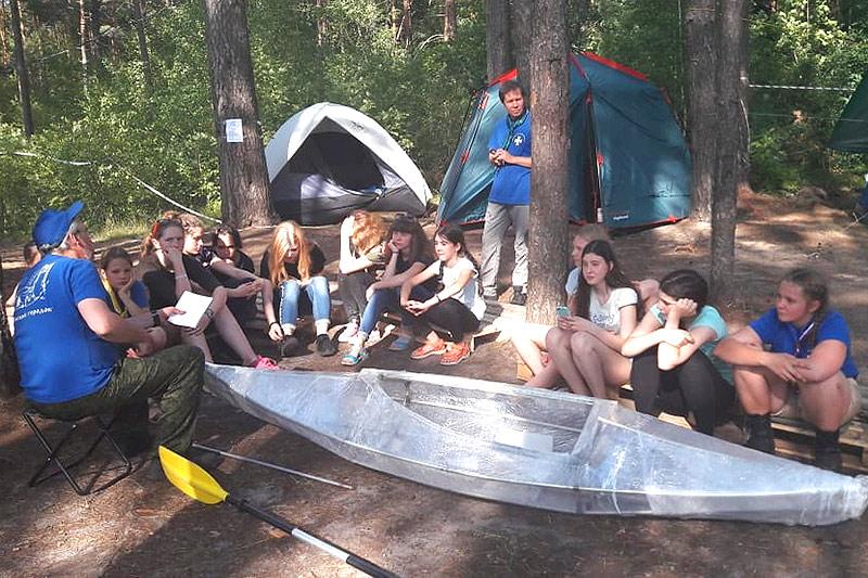 Уроки туризма и литургия в лесу: в «Орловском полесье» прошел слет «Феодоровский городок»
