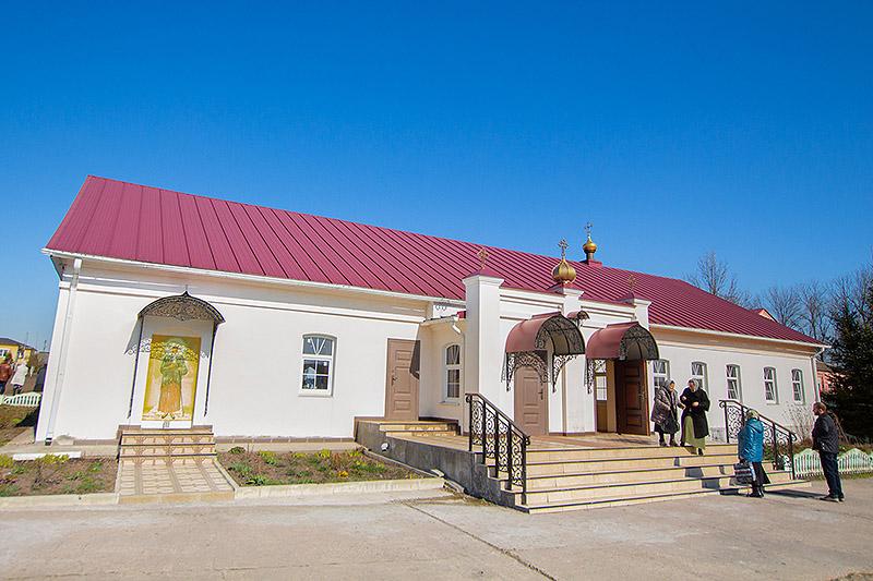 Митрополит Тихон совершил Литургию Преждеосвященных Даров в Долбенкино
