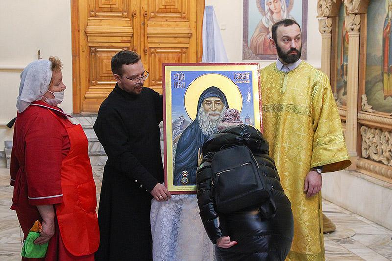 Владыка Тихон освятил икону святого Гавриила (Ургебадзе), написанную для Успенского собора Орла
